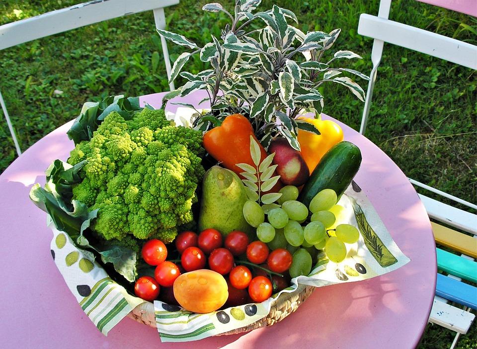 corbeille de fruit frais